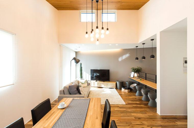 建築家の創意工夫が詰まった空間、広がりとつながりを感じられる家