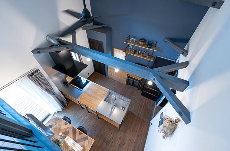 無垢材×カフェ風デザインに一目ぼれ♪吹き抜けでこだわりのキッチンを魅せる家(T様邸)