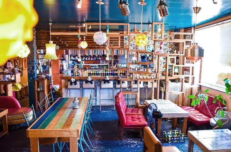 【播磨町】おしゃれな空間で楽しめるランチと夜カフェが魅力的な「花茶茶花(かちゃかちゃ)」