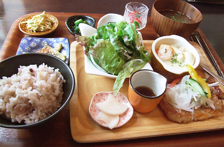 【稲美町】野菜たっぷりのヘルシーランチが人気!食材にこだわるおしゃれカフェ「if(イフ)」