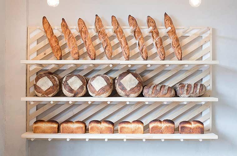 【姫路】農家の魅力を届けるパン屋「コボトベーカリー」の全粒粉パンで小麦の香りを堪能して♪