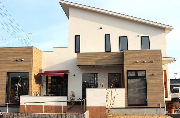 【加古川】週末のみBAR営業も!住宅街にあるオシャレな隠れ家カフェ「リリーベル」