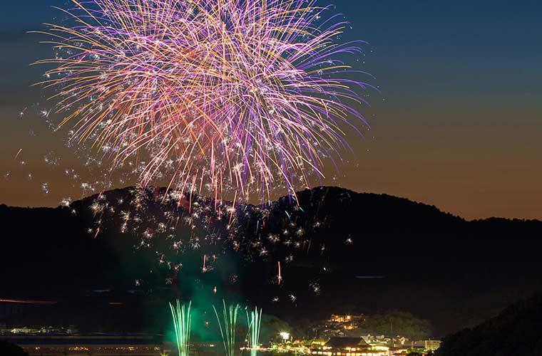 「2019 相生ペーロン祭」開催!豪華な海上花火大会と熱いペーロン競漕を楽しんで!