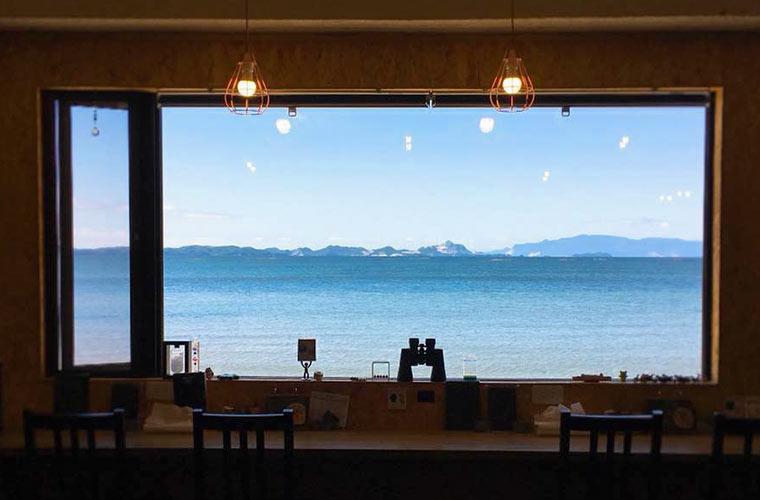 【たつの】目の前に広がる海が絶景のライダーズカフェ「ONE OFF CAFE(ワンオフカフェ)」