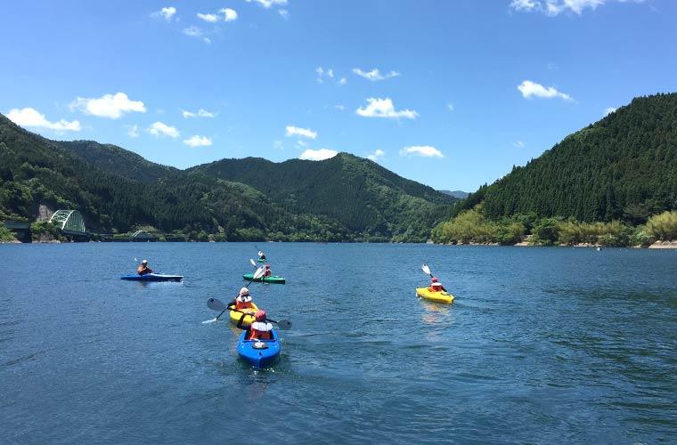 カヌーに挑戦! 宍粟市の音水湖で暑さを吹き飛ばそう