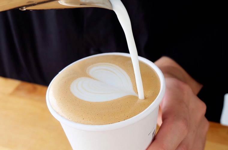 イベント出店で人気のコーヒー屋「Hi,Coffee.」がピオレ姫路に登場!