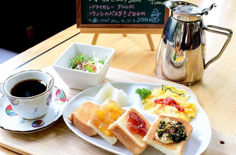 【神河】築65年の趣ある建物をリノベーション!元校長先生が営むカフェ「サラマンダー」