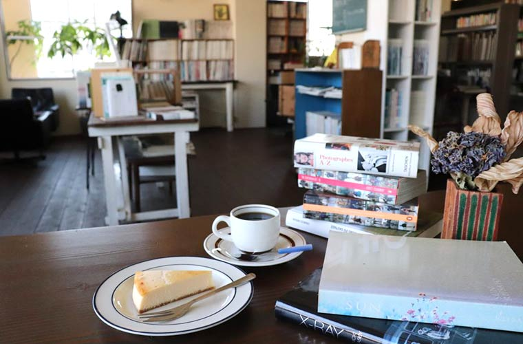 【相生】大人の隠れ家ブックカフェ「トキシラズ」夜カフェにもおすすめ