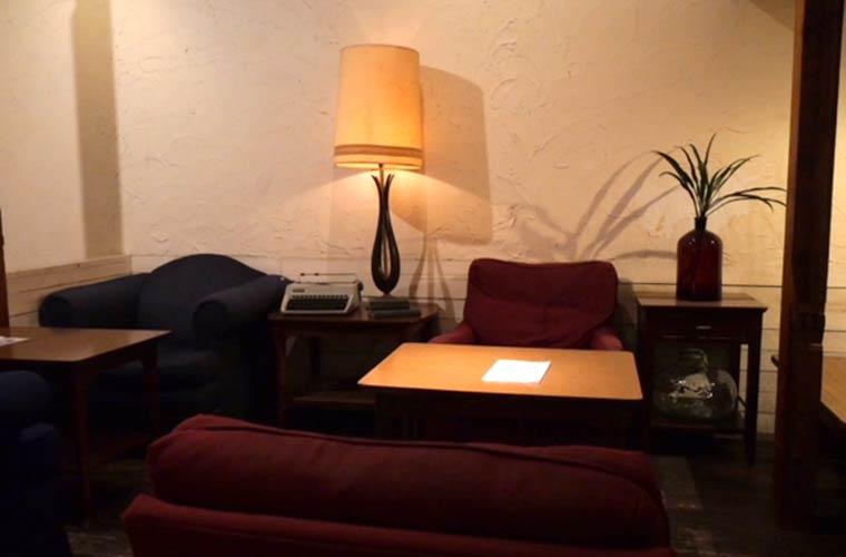 【姫路】13時オープンのカフェ「チャルマ」ソファ席でまったり過ごす大人の時間♪夜カフェも