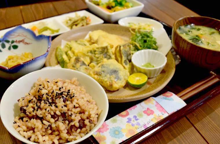【加古川】カラダ思いのカフェ「なば菜」でこだわりのヘルシーランチ&スイーツを味わって
