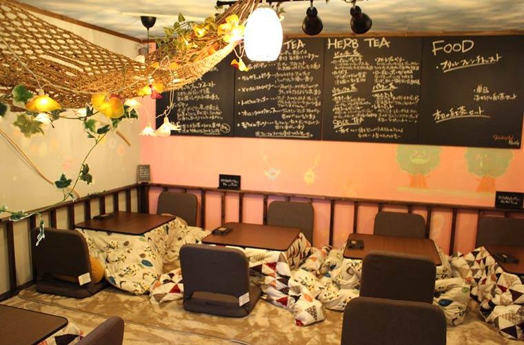 【姫路】こたつ×紅茶専門店「shinbashi(シンバシ)」に冬季限定でつゆが選べる一人鍋が登場!