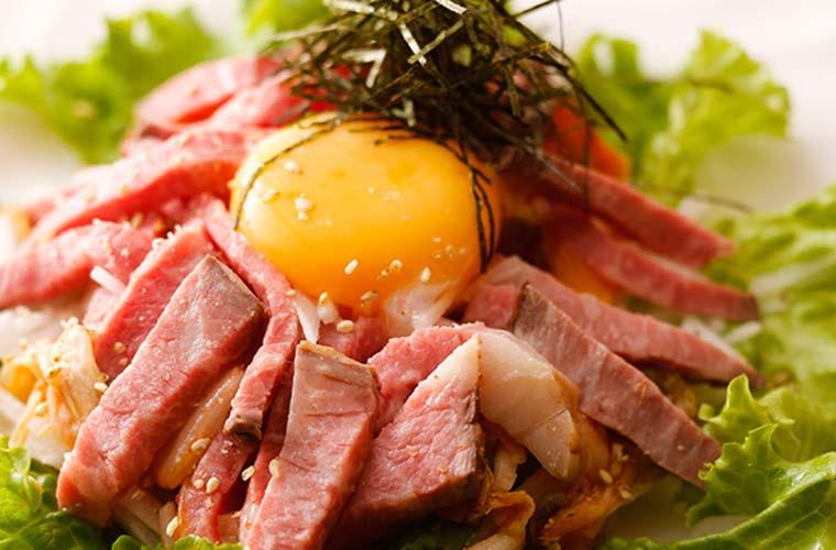 【加古川・西脇】新しいご当地肉グルメに舌鼓!特産品が当たる「食べ比べスタンプラリー」開催中!