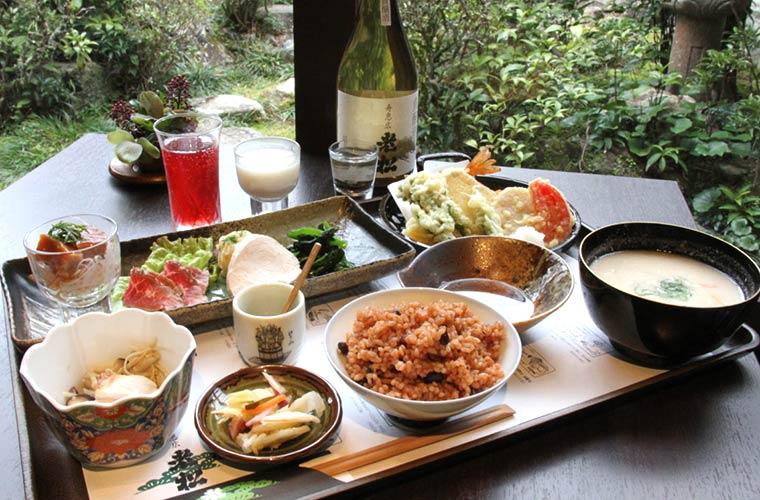 【宍粟】老舗酒屋直営の「老松ダイニング」オープン!発酵食尽くしのランチでおいしく健康に!