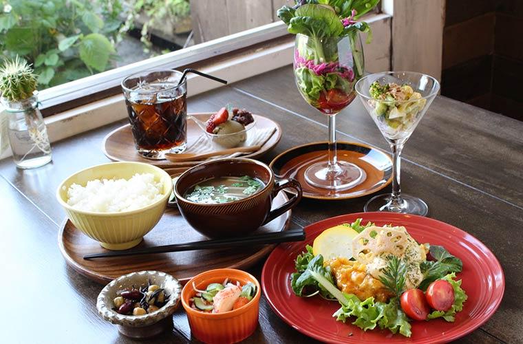 【三木】お惣菜が選べる「SUNNY DAY(サニーデイ)」の自然派ランチ!子ども連れOK!