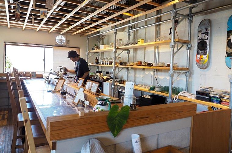 【加古川】心地よい空間が広がる「タテイト珈琲店」深煎りコーヒーと個性派スイーツを