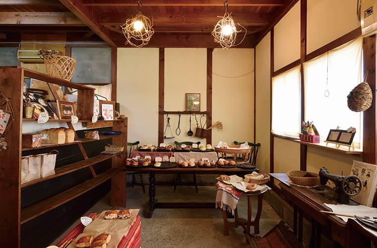 【稲美】隠れ家みたいな小さなパン屋「ふくふく」こだわりパンが口コミでも人気!