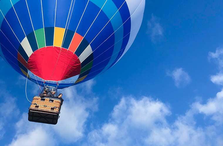 「ハッピーバルーンクリスマスin加西」が今年も開催!気球に乗ったサンタがお菓子をプレゼント♪