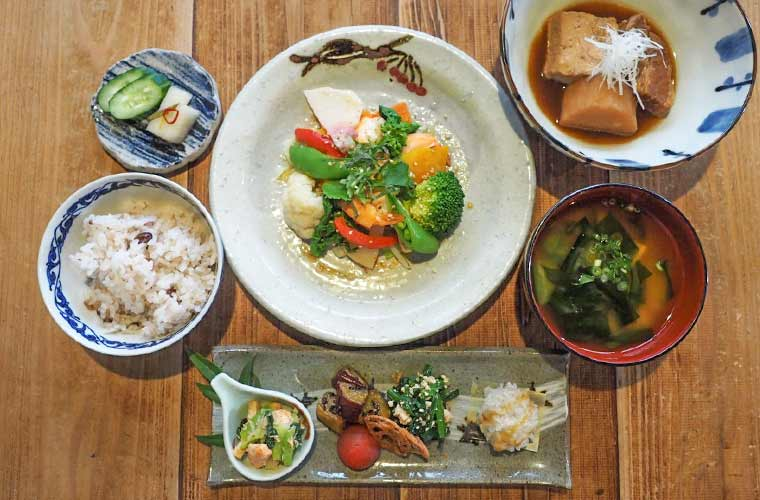 【加古川】古民家カフェ「楓屋(かえでや)」で野菜たっぷりの手作りランチや自家製スイーツを