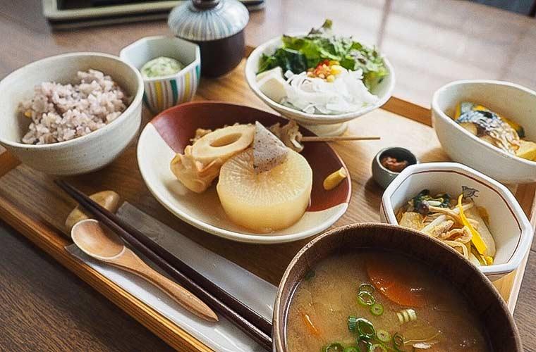 【加古川】古民家カフェ「空箱(そらばこ)」で野菜たっぷり健康ランチと自家製スイーツを