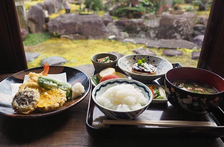 【加古川】古民家「かふぇ・ど・結(ゆい)」で本格和食ランチを!日本庭園が魅力!