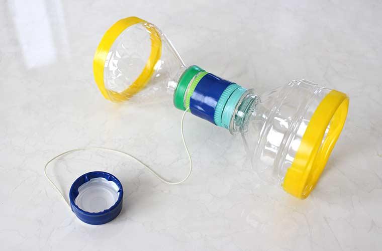 ペットボトルで簡単おもちゃ作り!おうち時間が楽しくなる子どものおもちゃの作り方♪