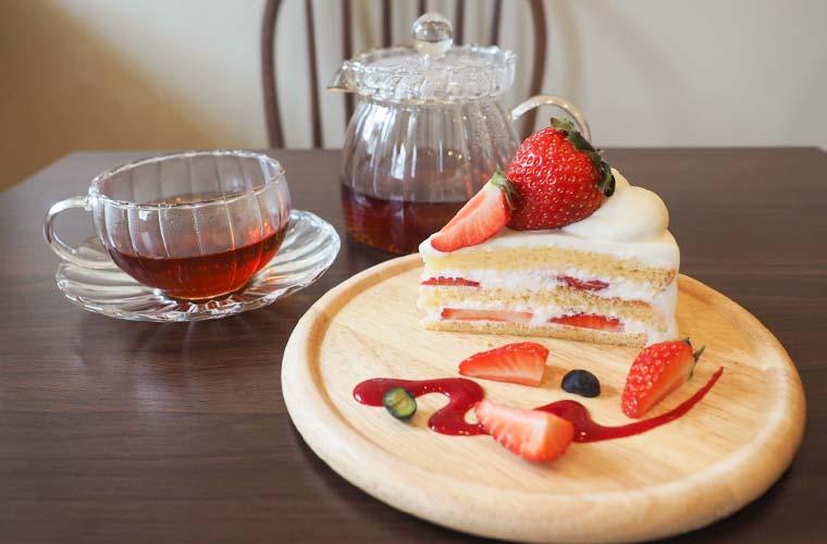 【明石】カフェ「Nico+(ニコプラス)」オープン!自家製ケーキとこだわりドリンクを