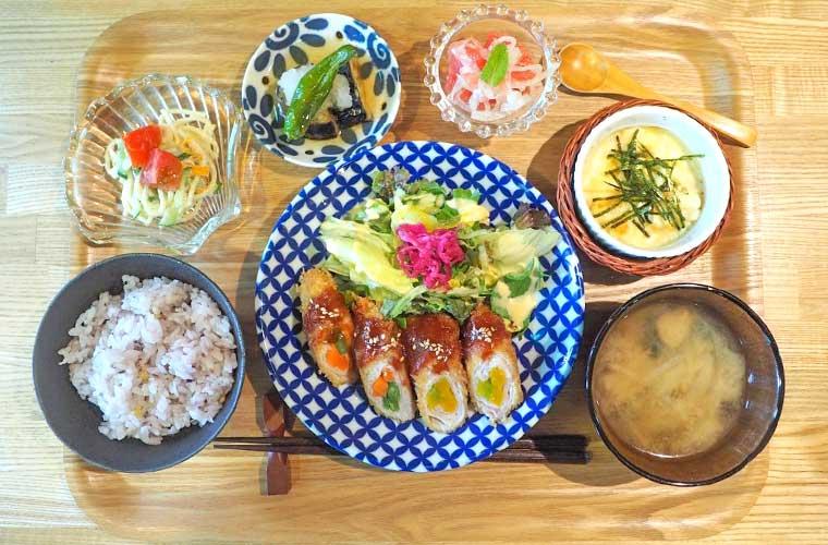 【加古川】「Tea Room 蕾(つぼみ)」で野菜たっぷりヘルシーランチや和スイーツを