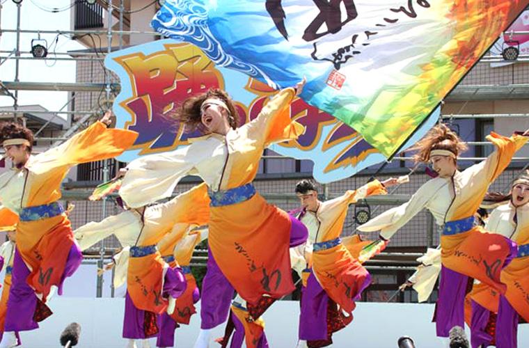 今年の「踊っこまつり」はリモートで開催! 熱い踊りをオンラインで見届けよう♪