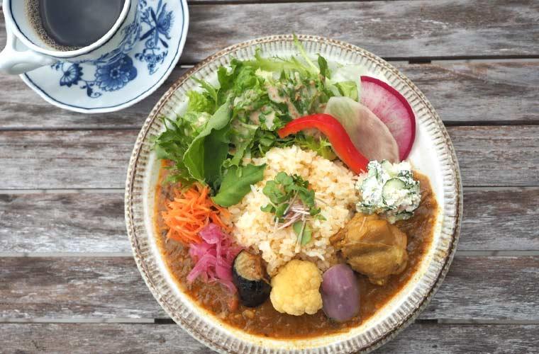 【明石】野菜ソムリエが営む「菜(さい)ランチ」本格カレーと蒸しぱんが人気♪営業は月2回!