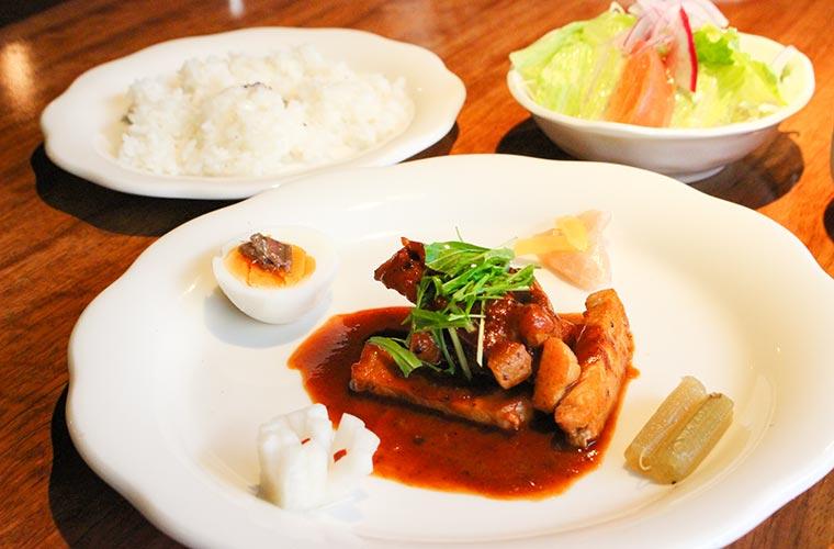 【たつの】昭和レトロな老舗町家喫茶「エデンの東」気まぐれメニューの洋食ランチが絶品♪