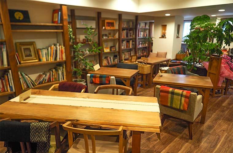 【姫路】ブックカフェ「かるもまみお」のんびり過ごす時間と自家焙煎コーヒーを楽しんで