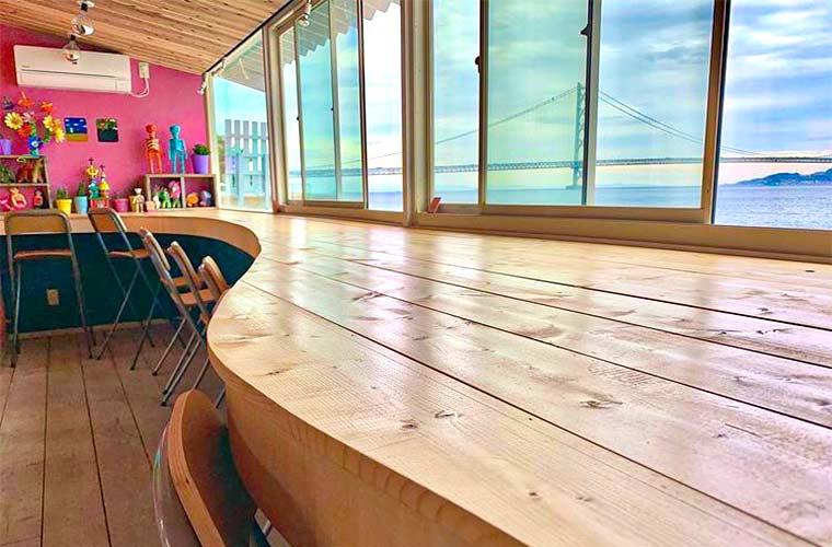 【垂水】「SurFree Kobe(サーフリー コウベ)」がオープン!絶景が広がる海沿いカフェ♪