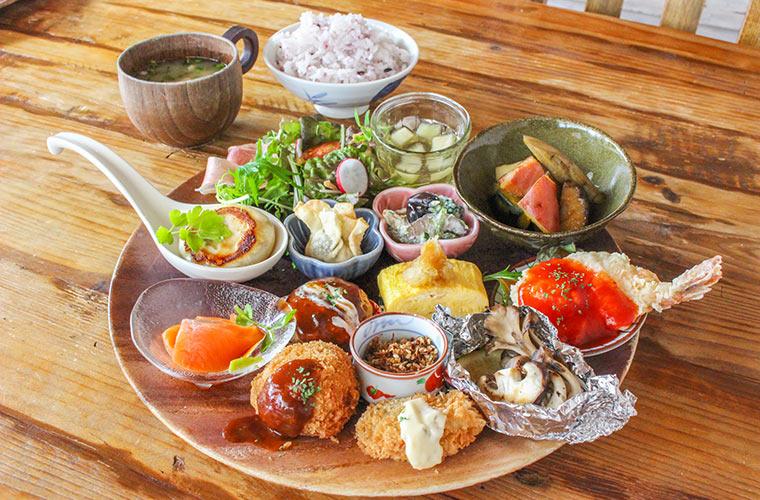 【加古川】子連れ&ペット歓迎の「カフェガーランド」の『豆小鉢ランチ』がインスタ映え♪