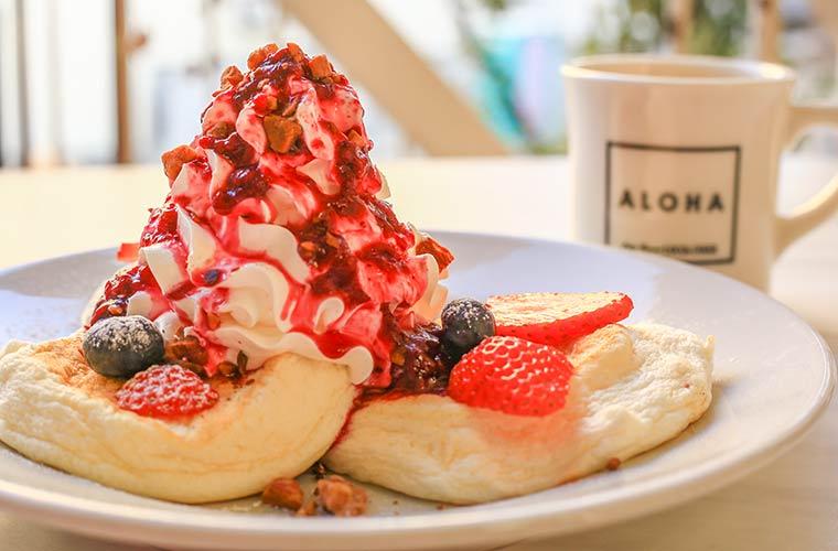 【姫路】ハワイアンカフェ「ロコズダイナー」の映えるブラックフードやパンケーキにキュンです!