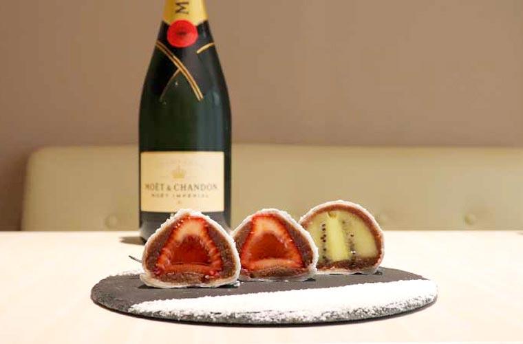 【姫路】「Bar Spoon(バースプーン)」がオープン!『シャンパンいちご大福』やフルーツカクテルが話題♪
