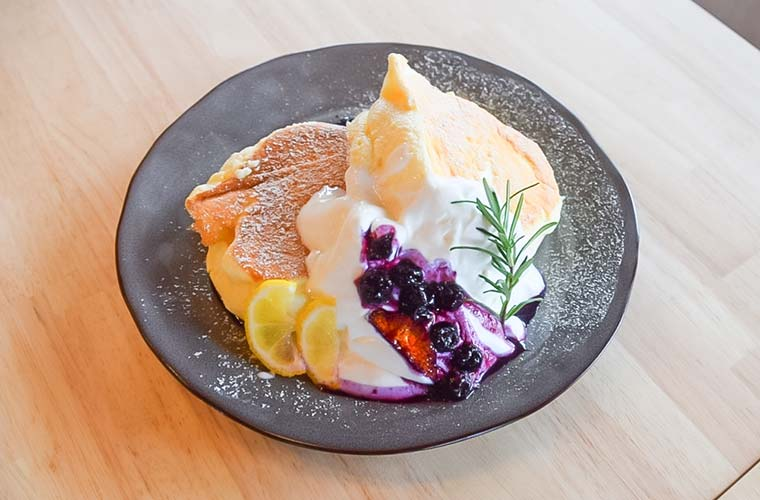 【明石】パンケーキが自慢のカフェ「ニコラ」がオープン!地元食材で作るランチにも注目♪