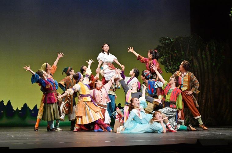 赤穂市文化会館で劇団四季ファミリーミュージカル「はじまりの樹の神話~こそあどの森の物語~」を開催
